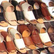أحذية تقليدية من الجلد