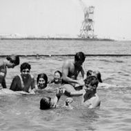 عائلات تتمتع ببحر صفاقس في الخمسينات