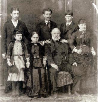 عائلة كارملا فراندو بصفاقس سنة 1884