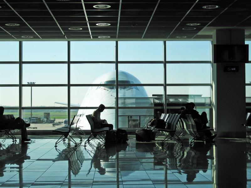 قاعة الانتظار - مطار