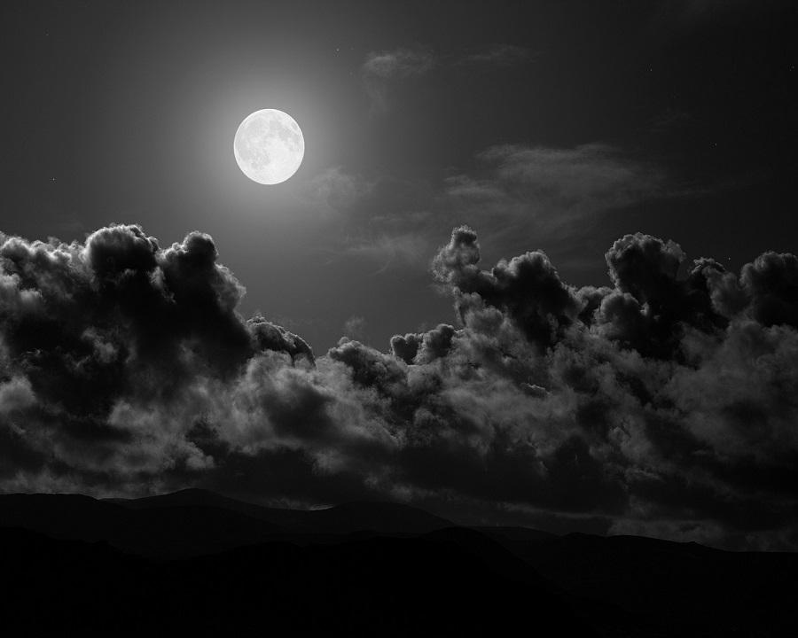 ليل - قمر