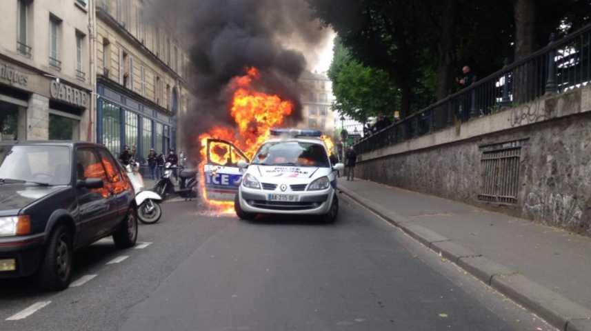 إضرام نار - سيارة شرطة - فرنسا