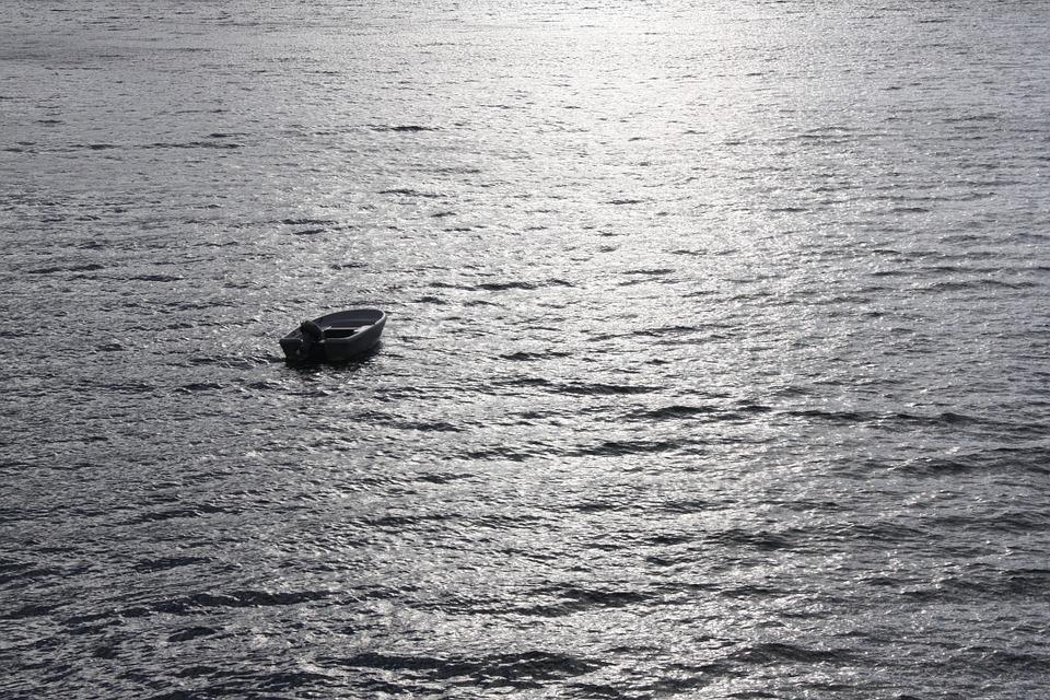 قارب - عرض البحر