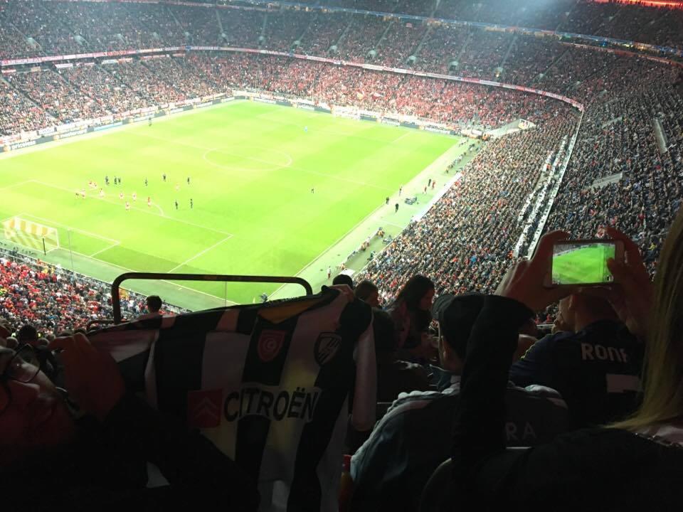 قميص النادي الصفاقسي حاضر في مباراة البايرن وريال مدريد