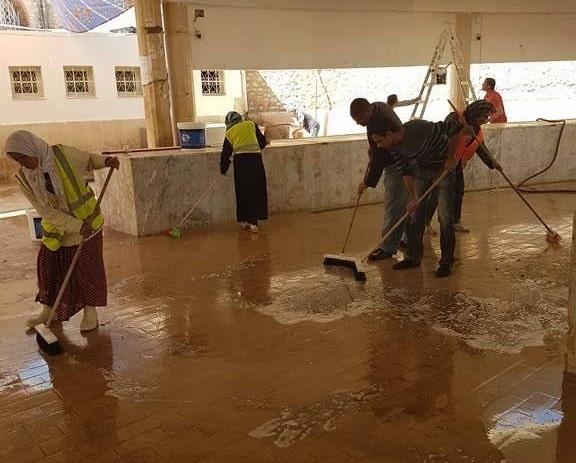 بلدية صفاقس : حملة نظافة إسبوعية لسوق السمك بباب الجبلي
