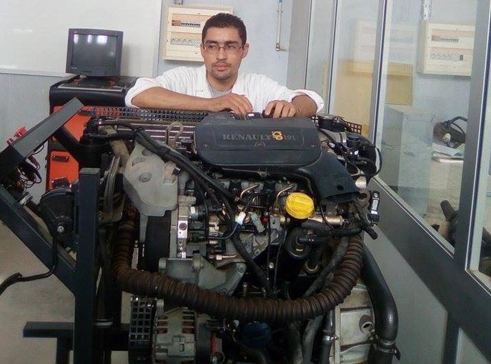 صفاقس : الطالب عامر القرقوري يبتكر محركاً يعمل بطاقة المياه