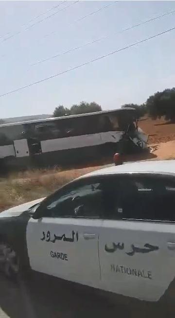 حادث مرور - صفاقس : إصطدام شاحنة بحافلة مسافرين