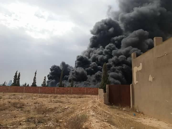 حريق متعمد في مخزن اطارات مطاطية مستعملة