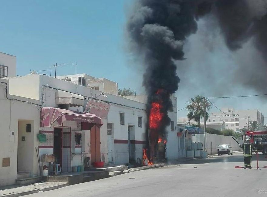 صفاقس - طريق الأفران : حريق في إحدى محلات بيع البنزين المهرب