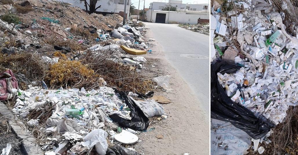 صورة اليوم في صفاقس : إلقاء نفايات خطرة تابعة لإحدى المصحات الخاصة بجانب منازل السكان