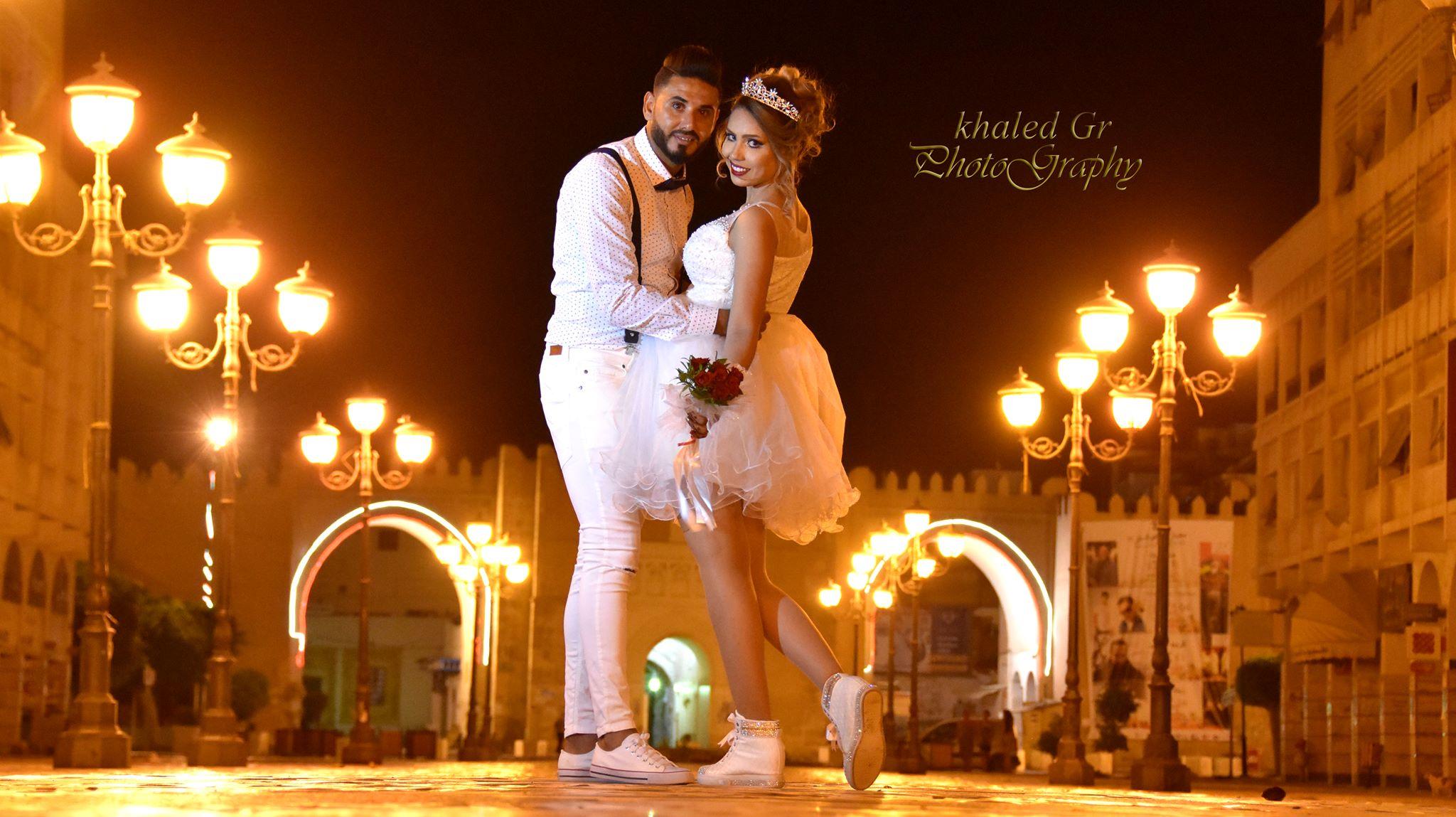 صفاقس : العروس والعريس يرتديان ملابس خارجة عن المألوف يوم زفافهما