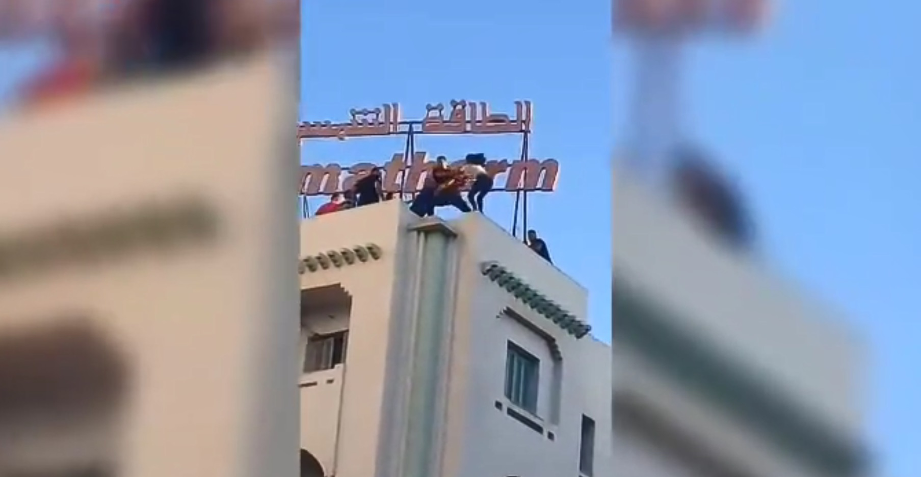 صفاقس : لحظة إنقاذ الفتاة التي حاولت الانتحار