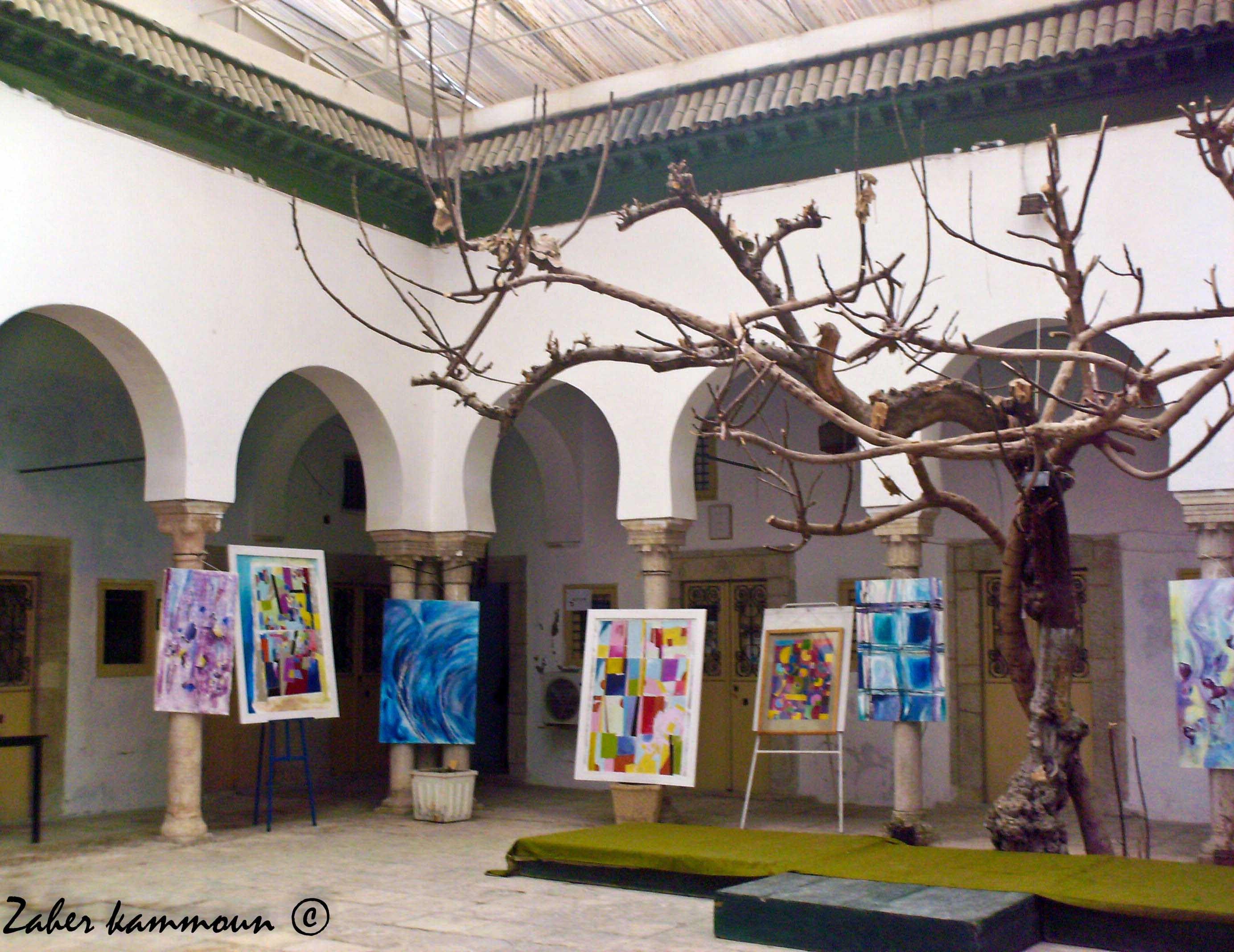 المدرسة العاشورية بتونس
