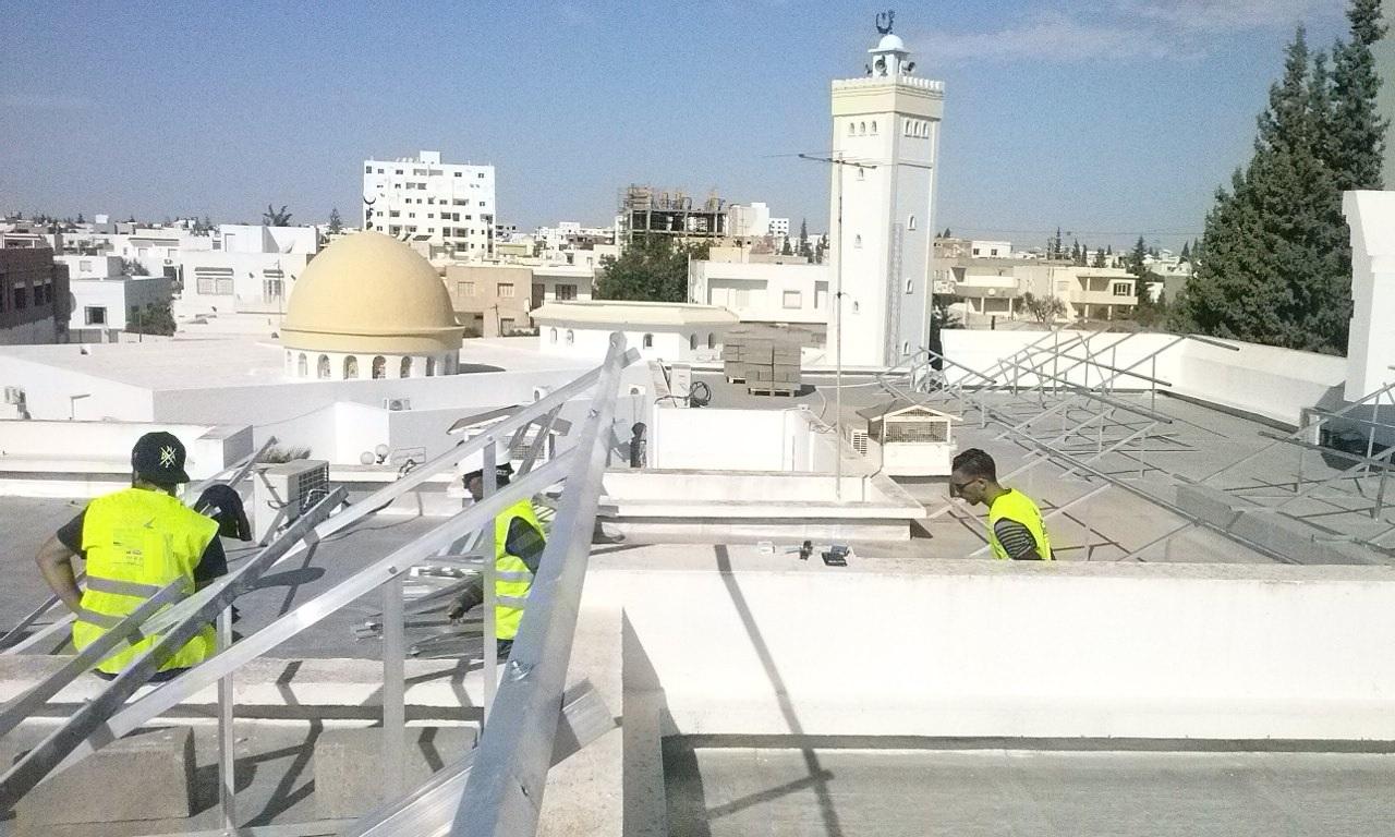 في إطار ترشيد استهلاك الطاقة : بلدية قرمدة تقوم بتركيز محطة الطاقة الفولطوضوئية