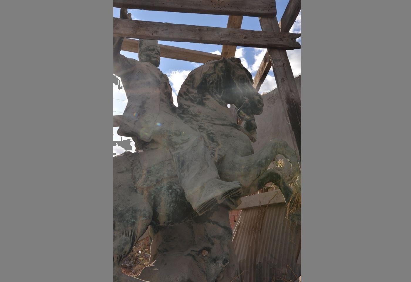 بخصوص تنصيب تمثال الحبيب بورقيبة في ساحة باب الجبلي : بلدية صفاقس توضح