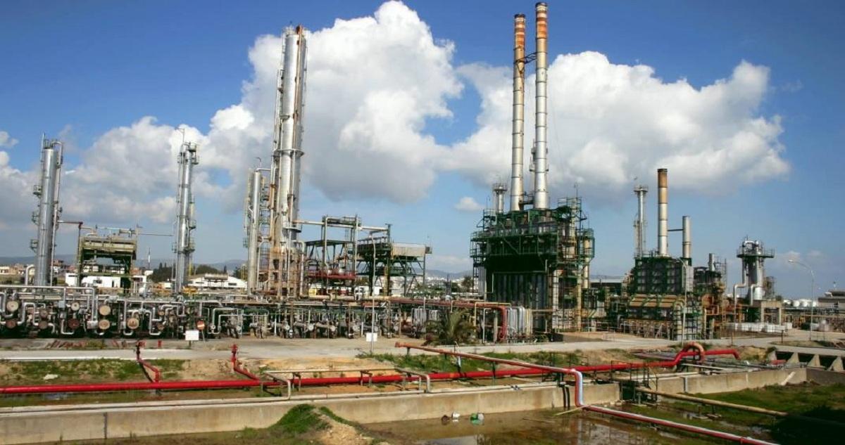 مصفاة لتكرير النفط